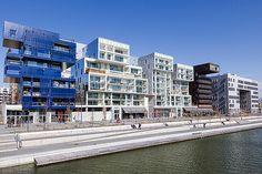 Quartier Confluence (Lyon) - Bâtiments résidentiels Angular Architecture, Contemporary Architecture, Kengo Kuma, Confluence Lyon, Lyon City, E Design, Urban Design, Lyon France, Urban Renewal