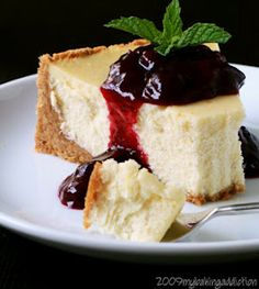 Creamy Vanilla Bean Cheesecake with Blueberry Topping !