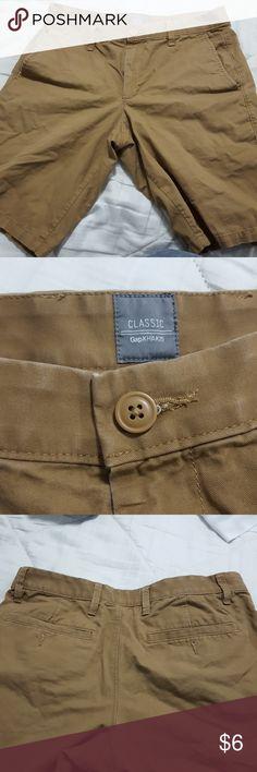 Short Shorts gapKhakis..excellent used. gap Shorts