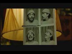 Le Fabuleux Destin d'Amélie Poulain. Nino parle avec l'image avec 4 hommes