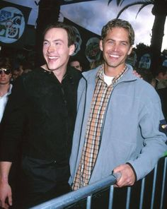 Paul with Chris Klein. Chris Klein, Rip Paul Walker, The Furious, People Magazine, Sexy Men, Interview, Actors, Inspired, Blog