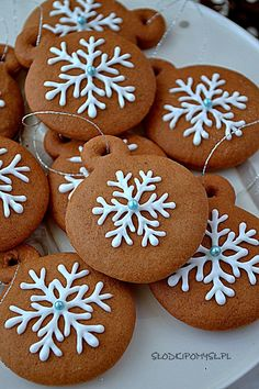 Christmas Snacks, Christmas Cookies, Polish Recipes, Confectionery, Royal Icing, Gingerbread Cookies, Yummy Treats, Cake Recipes, Food And Drink