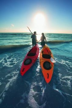 With an endless array of creeks and hidden bays, the Southwest Florida is a paddler's and water sports lovers paradise.Visit us and book your next kayaking tour now! Kayak Camping, Canoe And Kayak, Kayak Fishing, Fort Myers Beach, Kayaks, Kayak Paddle, Kayak Adventures, Best Fishing, Rowing