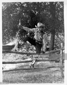 Photo of Roy Rogers Photo by Michael Ochs Archives/Getty Images News Photo - Getty Images Roy Rogers, Image News, Happy Trails, Any Images, Still Image, Rough Cut, The Outsiders, Archive