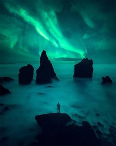 First strong aurora of the season.It happened in Iceland. Photography Sites, Nature Photography, Travel Photography, Outdoor Photography, Voyage En Camping-car, Northen Lights, Road Trip, Iceland Photos, Wanderlust