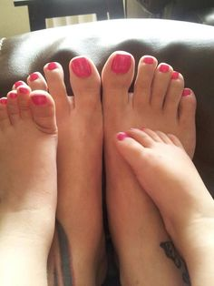 Even more like mother, like daughter! 26 examples of mini-me feet, and 26 examples of precious bonding time spent between mother and daughter.