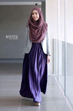 Hijab Fashion purple Abaya with grey jacket from KIVITZ Modest Dresses, Modest Outfits, Modest Fashion, Fashion Clothes, Muslim Women Fashion, Islamic Fashion, Hijab Mode, Moslem Fashion, Hijab Fashionista