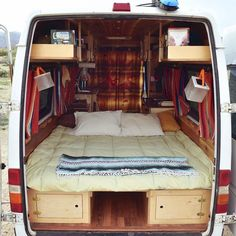 Camper van interior design and organization ideas (54)