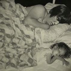 Elvis and Lisa Marie....so sweet ~ Like Father Like Daughter (I'm not sure if this was  Photo shopped)