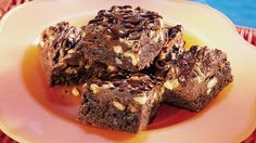 Check out this great-tasting brownie dessert flavored with espresso coffee granules, chocolate and walnuts.