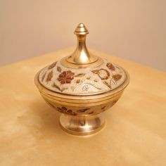 Solid brass  box / bowl  with a lid  floral design  by UKAmobile