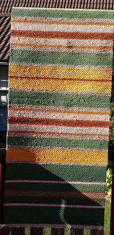 Väv-lina -Kulturarv och hantverkstradition utgör grunden i min verksamhet, som startades 1984. Tradition och förnyelse går hand i hand genom arbetsuppgifter som: Vävning av dräkttyger, handdukar, löpare m.m., Kurser och handledning i alla typer av textila tekniker, Kopieringsarbete för bl.a. museer och hembygdsgårdar