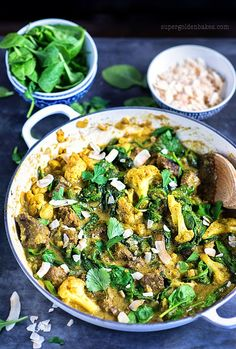 One-pot beef curry with spinach