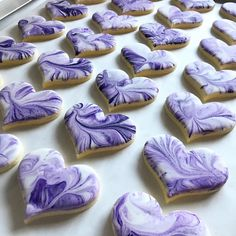 Marbled hearts cookies from Royal icing (picture only) pc Purple Cookies, Fancy Cookies, Heart Cookies, Valentine Cookies, Iced Cookies, Easter Cookies, Cupcake Cookies, Sugar Cookies, Valentines