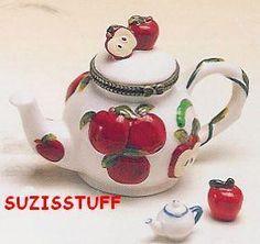 LUSCIOUS APPLE TEAPOT-Porcelain Hinged-Box..LOVELY!