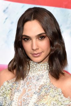 Gal Gadot - Stunning Hairstyle Ideas from Brunette Celebrities  - Photos