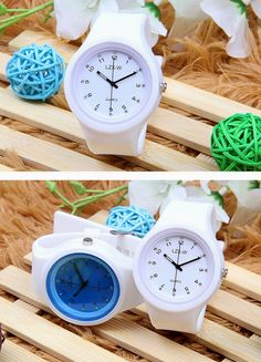 Escoot Korean Sports Watch :D  Gorgeous white and blue faces, also comes in black strap ^^