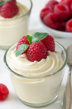 Easy White Chocolate Mousse