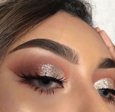 Make up Rosa Lidschatten-Palette Makeup Eye Looks, Cute Makeup, Glam Makeup, Pretty Makeup, Skin Makeup, Makeup Inspo, Makeup Trends, Eyeshadow Makeup, Makeup Inspiration