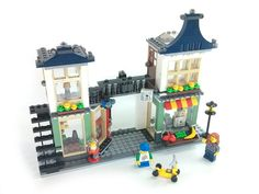 Rebrickable: Great site with instructions to use your existing LEGO kits and bricks and make them into all new designs.