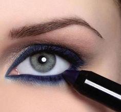 Eye Makeup, Hair Beauty, Eyes, Makeup Eyes, Eye Make Up, Cat Eyes, Cute Hair, Make Up Looks