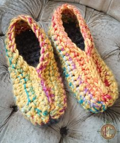 Everyone needs them, everyone wants them: A pair of homemade, handmade ugly slippers. Thank you to Sonya Blackstone Designs for another wonderful opportunity to create for her Charity Crochet Drive. Several designers are working Easy Crochet Slippers, Crochet Slipper Boots, Crochet Slipper Pattern, Crochet Patterns, Felted Slippers, Knitting Patterns, Loom Knitting, Free Knitting, Crochet Ideas