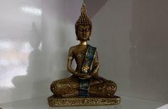 Buda em gesso trabalhado, pintado à mão.    (Valores unitários - vendidos separadamente)