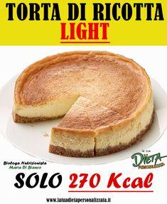 La #torta di #ricotta è un dolce tradizionale argentino, che viene preparato anche in Italia. Esistono molte ricette, ma oggi vi mostreremo una torta di ricotta light con meno calorie rispetto all'originale. #TortaDiRicotta #DolciConLaRicotta #DolciAlFormaggio #ricettefit #dolcedietetico #dolcifattiincasa #dolcilight #colazionesana #merendasana #dessert #dolcelight #ricettedietetiche #ricettelight #RicettaDolci RicetteDolci #RicettaTortaDiRicotta #Dieta #Nutrizionista #PerderePeso Easter Pie, Cheesecake Cupcakes, Diet Recipes, Yummy Food, Vegan, Baking, Breakfast, Healthy, Sweet