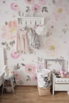 Lovely Vintage Floral Wallpaper | Removable Wallpapers • Peel and stick wall murals • Temporary wall covers • Easy stick wall paper • LOVECOLORAY.COM
