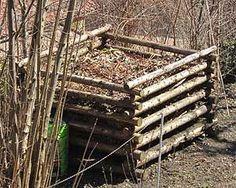 Wohin mit dem vielen Herbstlaub? Herbstlaub kann nicht nur kompostiert werden, sondern ist ein Kälteschutz für Ihre Pflanzen. Gartenzeitung.com