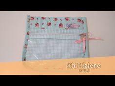 DIY ::: Saquinho Organizador de Maternidade - By Fê Atelier ( Nível Fácil ) - YouTube Clear Bags, Baby Shower Decorations, Lunch Box, Patches, Pouch, Quilts, Sewing, Crafts, 1