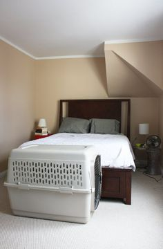 Carolyn's Bedroom Makeover: The Bland, Beige Before