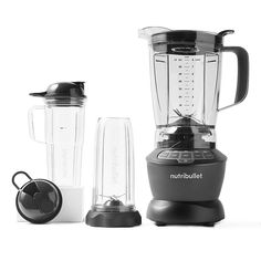 Nutribullet Blender Combo With Single Serve Cups grey - Take nutrient extraction to the next level with the power, precision and versatility of the NutriBullet Blender Combo. Easy Smoothies, Fruit Smoothies, Protein Smoothies, Nutritious Smoothies, Nutribullet, Magic Bullet Recipes, Best Blenders, Travel Cup, Small Kitchen Appliances