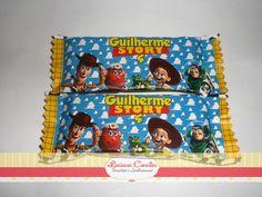 Lindos chocolates personalizados, podem ser confeccionados em qualquer tema. Chocolate de 25 gramas ( laka, diamante negro...) * Quantidade Mínima 30 unidades R$ 3,02