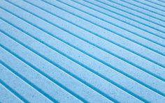 Lato estivo in Memory Fresh, del materasso Permaflex Repose. Il Memory Fresh grazie alle microparticelle di gel incorporate in esso, è in grado di offrire una superficie di appoggio particolarmente fresca. http://www.centropermaflex-online.com/news-612/Materasso-REPOSE-Permaflex-H23.aspx