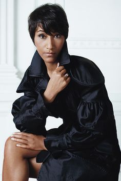 Desirée Rogers. Smart, Stylish, Bold, Classy, Leader and Business Woman. I heart her.     This photo can be found in Amy Chozick's article in the WSJ Magazine. Photograph by Marc Hom. Styling by David Farber.
