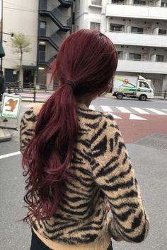 Henna Hair Color, Hair Dye Colors, Red Hair Inspo, Wine Hair, Haircuts Straight Hair, Burgundy Hair, Dye My Hair, Aesthetic Hair, Grunge Hair
