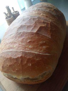 Ma sütöttem finom házi kenyeret! Olyan finom, mintha a nagymama kemencéjében sült volna! - Ketkes.com Bread, Cooking, Recipes, Food, Kitchen, Brot, Essen, Baking, Eten