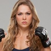 UFC champion Ronda Rousey and Floyd Mayweather have been involved in a war of words that gets better and better with each passing day. During last month's ESPY awards, Rousey … Ronda Rousey Fight, Ronda Jean Rousey, Shakira, Ufc Women, Sexy Women, Miss Marvel, Captain Marvel, Ronda Rousy, Mixed Martial Arts