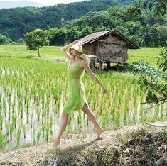 ความงามของทั้งสี่ภาคในเมืองไทย ผ่านท่วงท่าการถ่ายแบบของนางแบบสาว Gemma Ward ซูเปอร์โมเดลระดับโลก พร้อมด้วยกองทัพนางแบบสุดเก๋อีกมากมาย