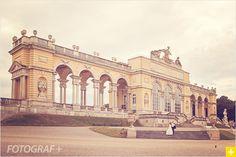 Młodym Parom, które chciałyby wykonać sesję ślubną za granicą oferujemy wyjątkową ofertę – sesję plenerową w Wiedniu bez kosztów dojazdu fotografa.