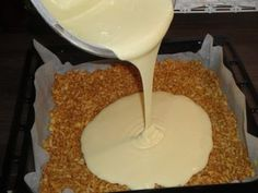 Rýchla jablková roláda (fotorecept) - obrázok 2 Czech Recipes, Pear Recipes, Sweet Recipes, Cake Recipes, Dessert Recipes, Pretzel Desserts, Sweet Desserts, Delicious Desserts, Yummy Food