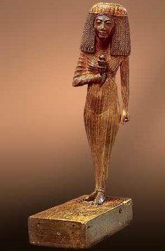 Statue of Henutnakhtu, 18th Dynasty