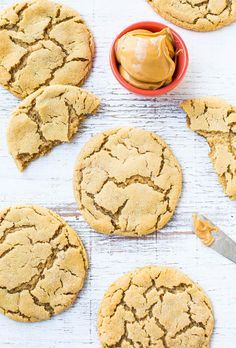 Big Soft & Chewy Peanut Butter Crinkle Cookies - Super chewy, packed with PB & are made for breaking apart at the crinkly seams!
