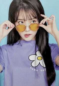 Find images and videos about kpop, iu and lee jieun on We Heart It - the app to get lost in what you love. Korean Girl, Asian Girl, Iu Twitter, Oppa Gangnam Style, Eun Ji, Korean Actresses, Grunge Hair, Sulli, Korean Beauty