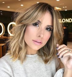 60 Super Chic Hairstyles for Long Faces to Break Up the Length Shaggy Bob with Curtain Bangs Smart Hairstyles, Easy Hairstyles For Long Hair, Undercut Hairstyles, Hairstyles With Bangs, Wedding Hairstyles, Celebrity Hairstyles, Braided Hairstyles, Short Hair With Bangs, Short Hair Cuts