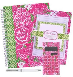 Lilly Pulitzer Gift Set - Featured in May Flowers Cute Office Supplies, School Supplies, Organized Mom, Getting Organized, Dog Friends, Gifts For Friends, Office Candy, Pink Office, Presentation Folder