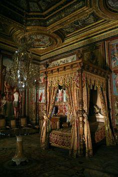 chateau de fontainebleau interior images | Château de Fontainebleau, Fontainebleau, Seine-et-Marne, Île-de ...