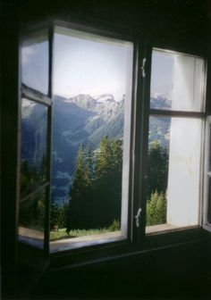 20 Breathtaking Window Views - Home in the Mountains