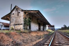 Panoramio - Photo of Abandoned Railway Station. Old Abandoned Buildings, Timber Buildings, Abandoned Places, Abandoned Train Station, Old Train Station, Railroad Tracks, South Wales, History, Geography